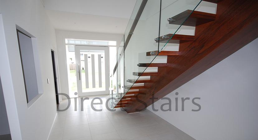Balustrade Cantilevered Glass